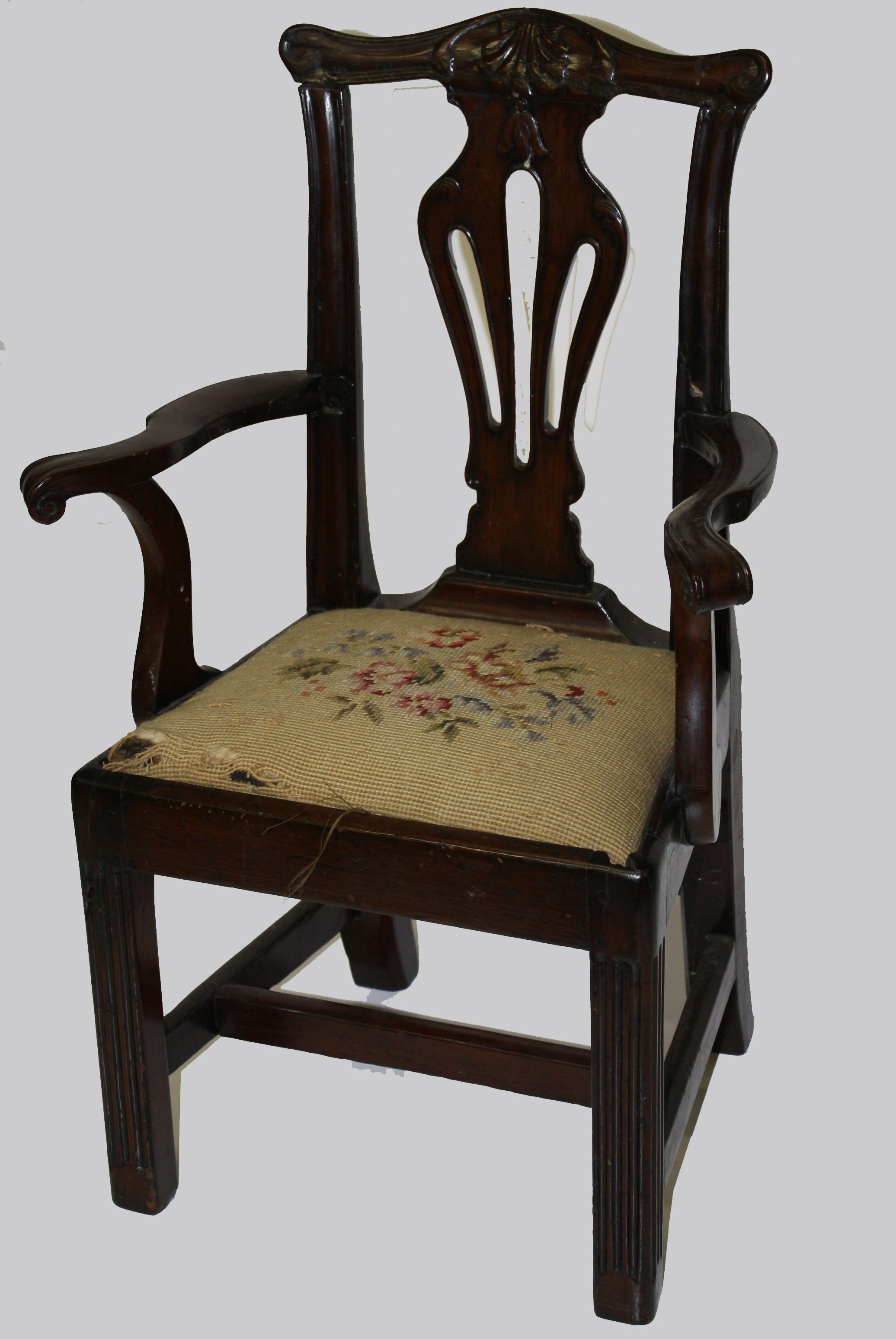the chippendale chair essay You have not saved any essays in new france, furniture styles were inspired by those that were current in france their characteristic features - exuberant lines, harmonious proportions and.