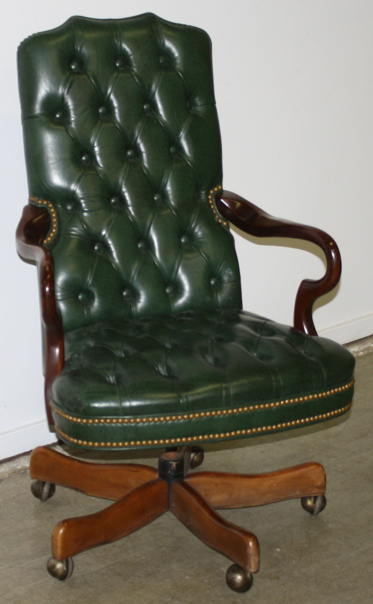Green tufted office chair JPG