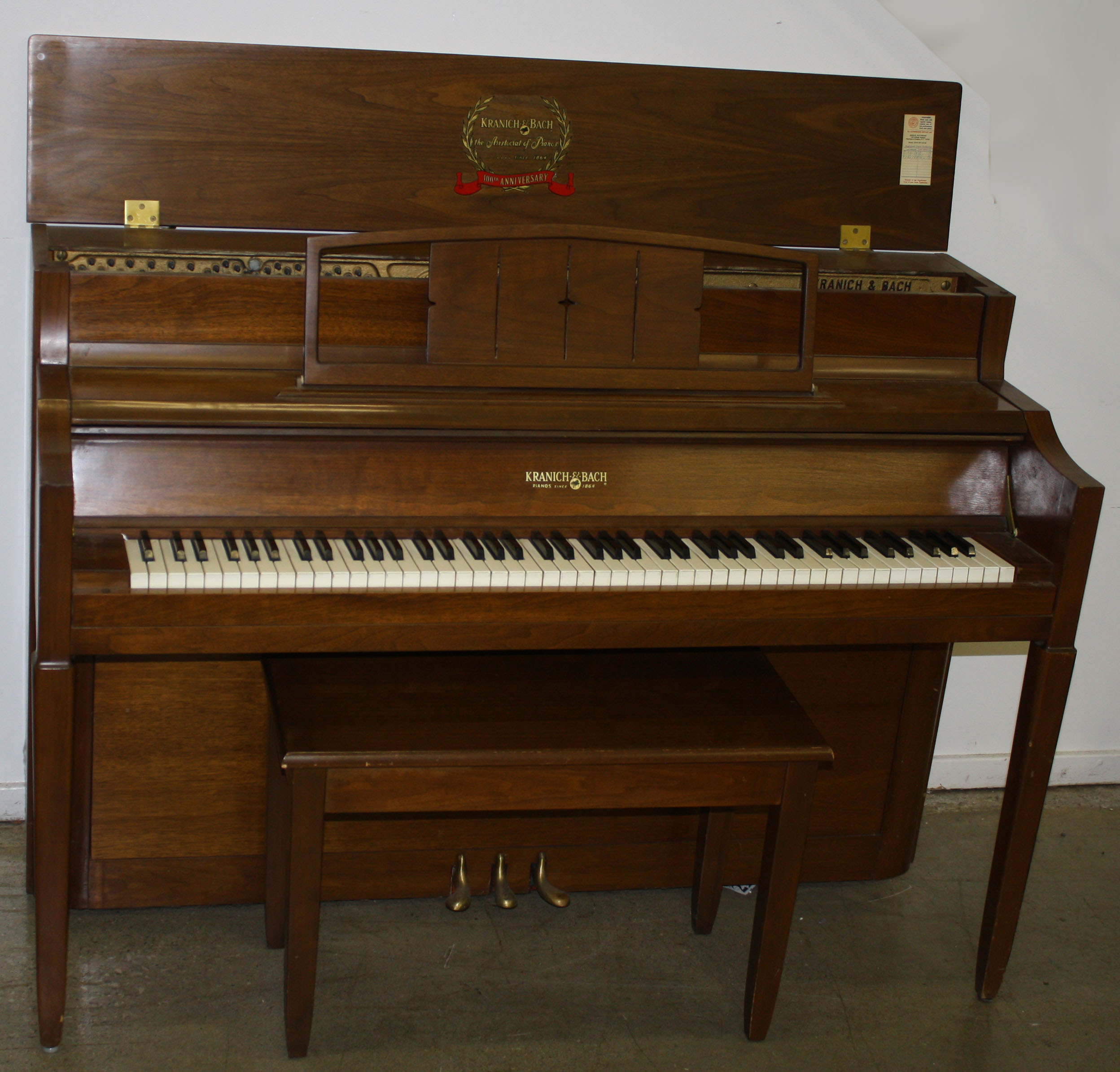 Vose and sons piano