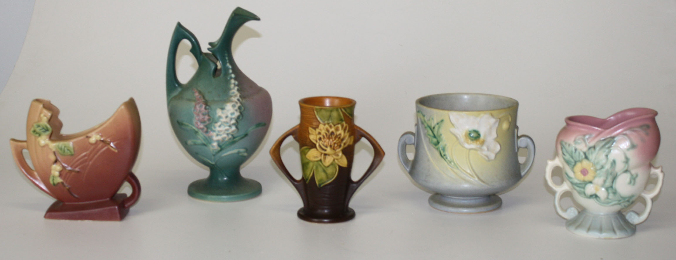 Roseville Pottery pieces JPG | Merrill's Auction
