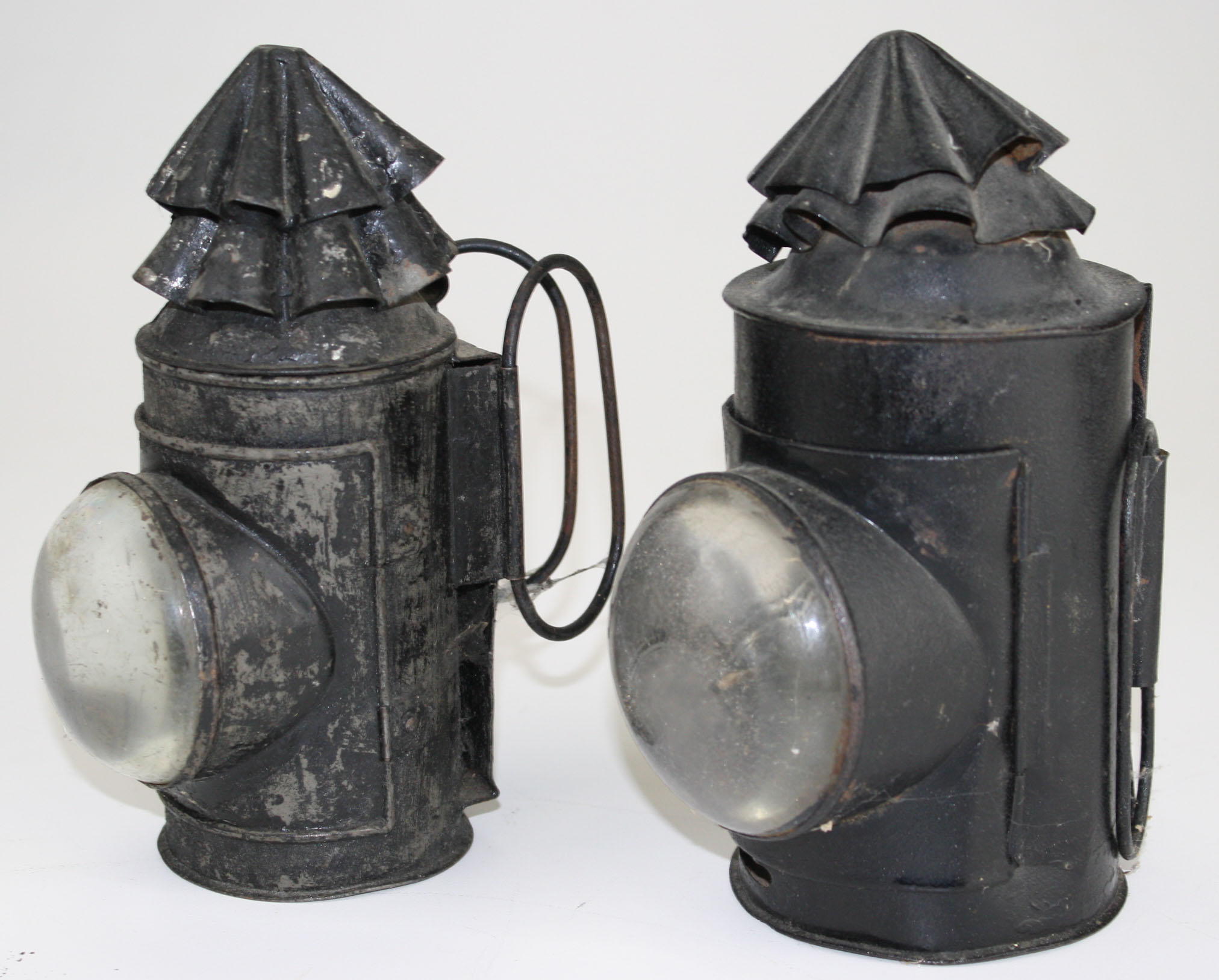 Tin Bullseye Lanterns Jpg Merrill S Auction
